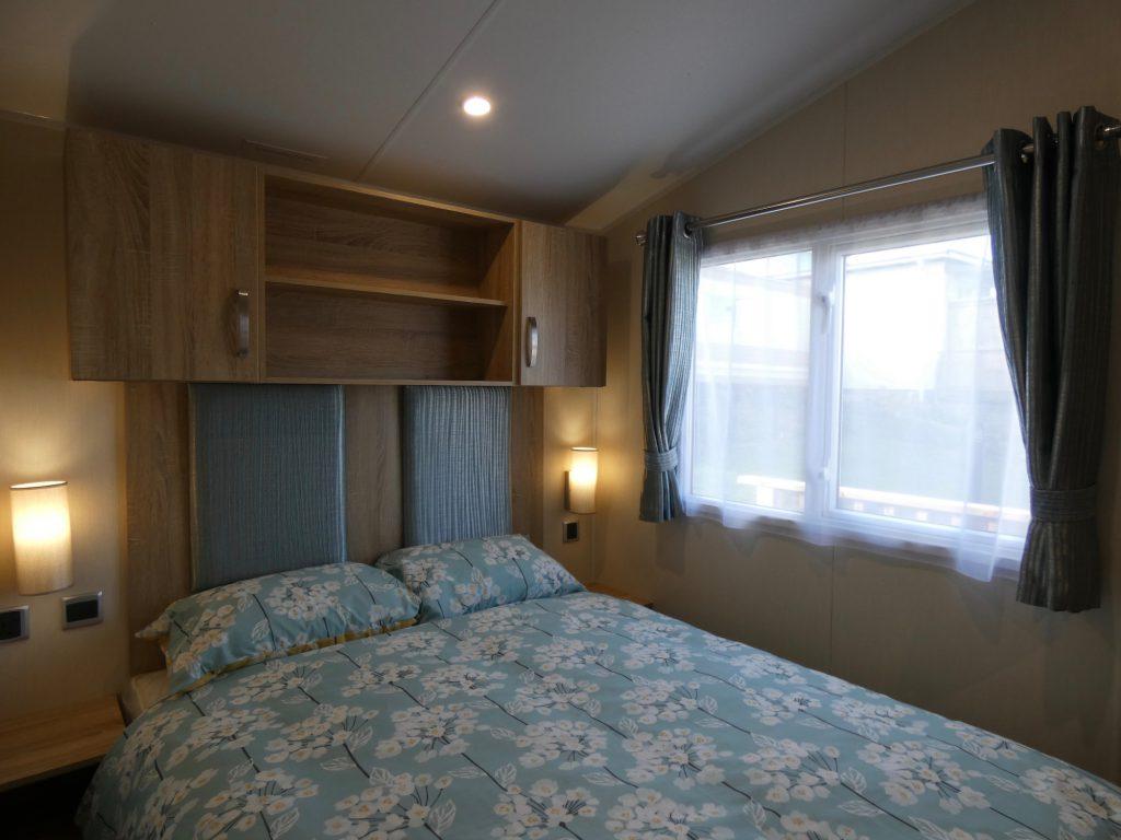 coast-caravan-park-clevedon-4d-main-bedroom.jpeg