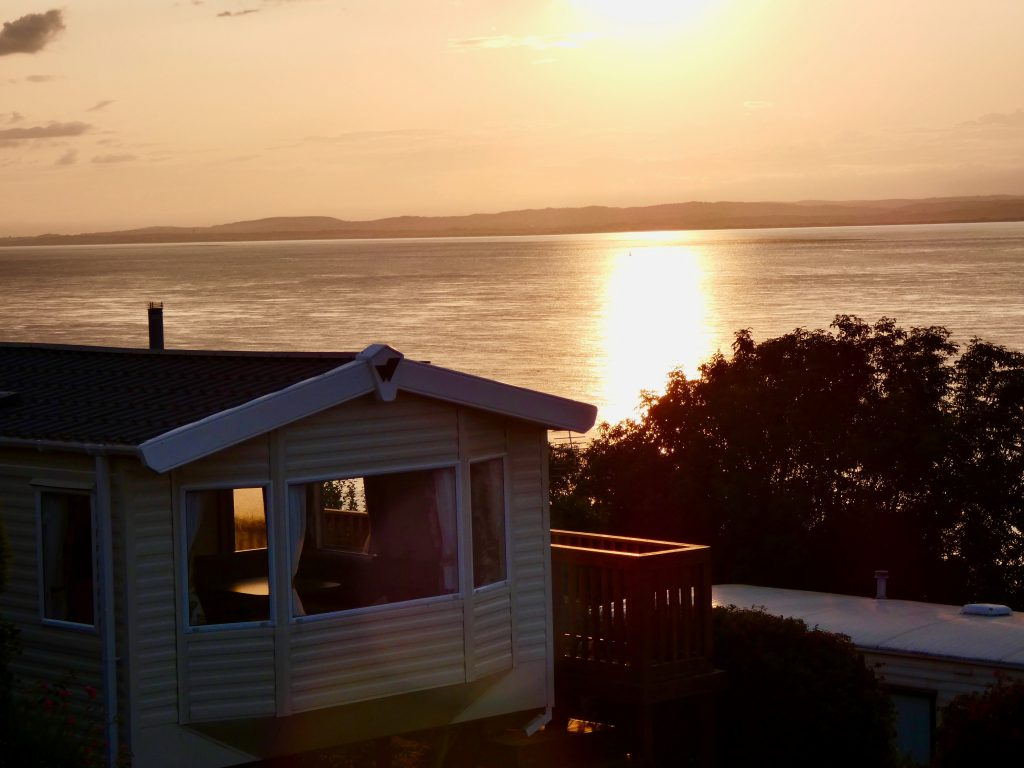 coast-caravan-park-clevedon-overlooking-south-wales-welsh-coast-relaxing-sunsets