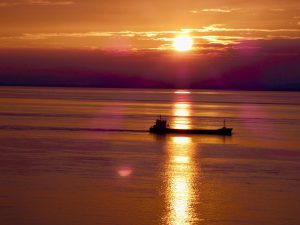coast-caravan-park-clevedon-stunning-sunsets-beautiful-night-sky-ship