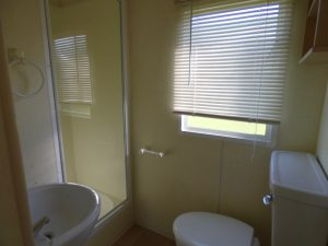 coast-caravan-park-clevedon-bathroom