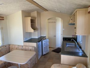 coast-caravan-park-clevedon-kitchen-diner