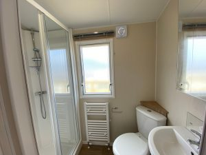 coast-caravan-park-clevedon-4e-bathroom