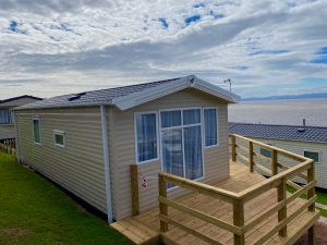 coast-caravan-park-clevedon-willerby-linwood-coast-for-sale-4e-wrap-around-decking