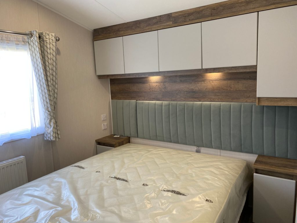 coast-caravan-park-clevedon-new-caravan-for-sale-bedroom